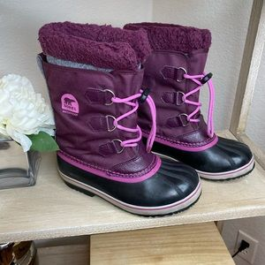 SOREL snow waterproof black burgundy boots